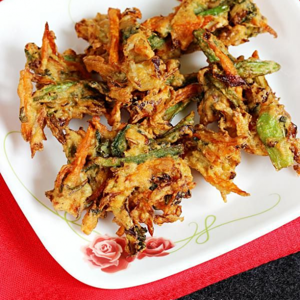 Crispy Vegetable Pakoda
